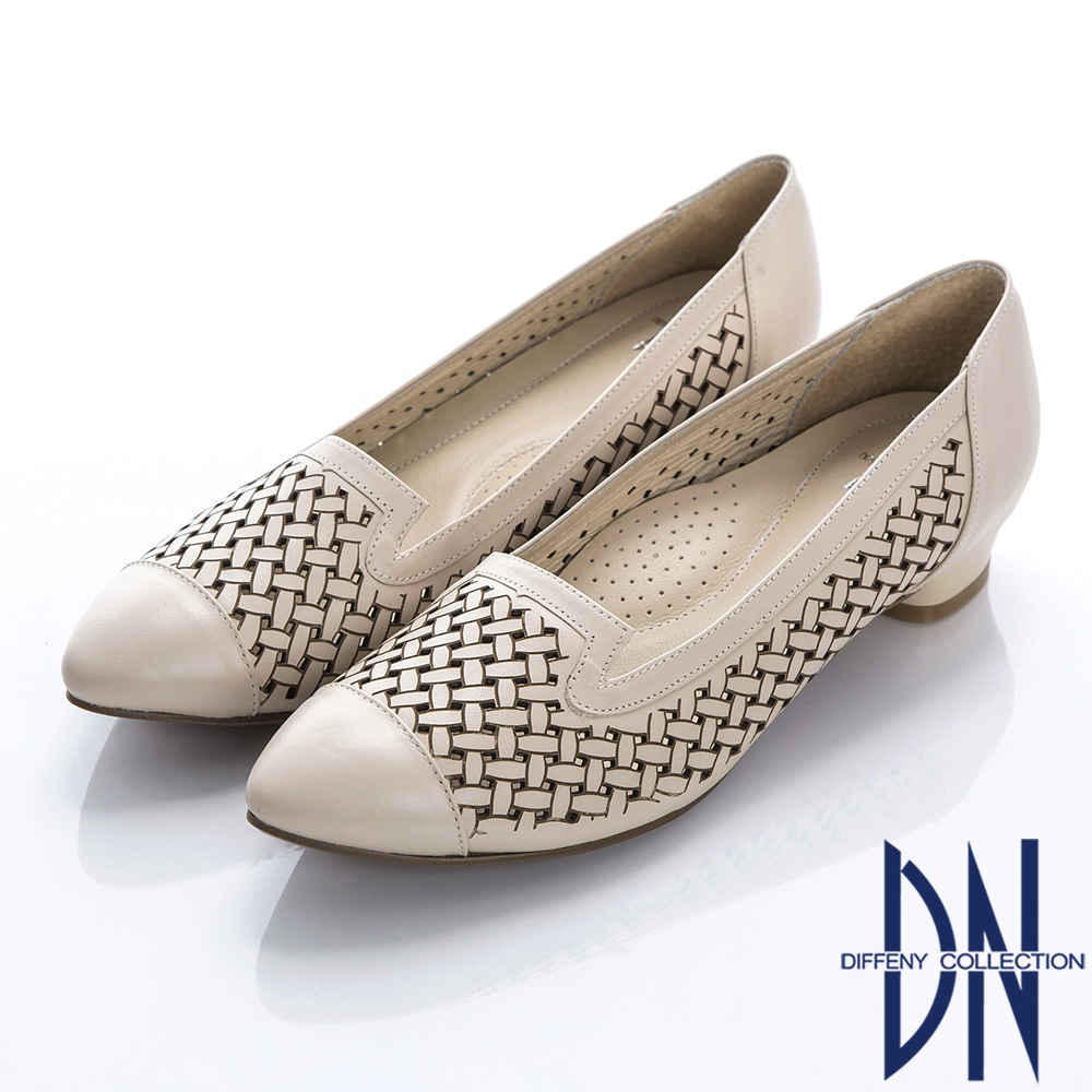 DN 優雅時尚 質感簍空雕刻真皮跟鞋-杏