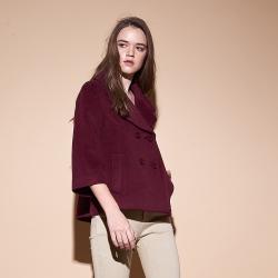 Chaber巧帛 暖時尚羊毛翻領雙排釦寬袖斗篷式造型外套-
