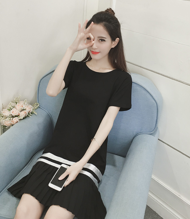 中大尺碼白色緞面滾邊百摺雪紡裙擺拼接黑色洋裝XL~4L-Ballet Dolly