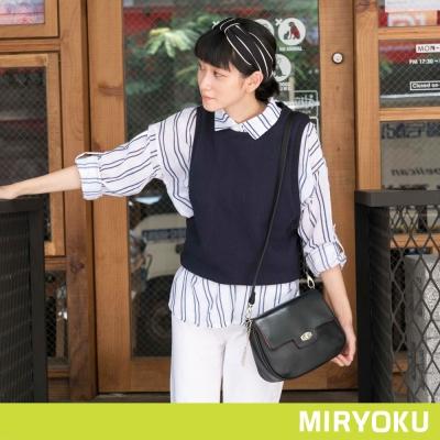 MIRYOKU-質感斜紋系列-簡約轉釦半圓斜背包