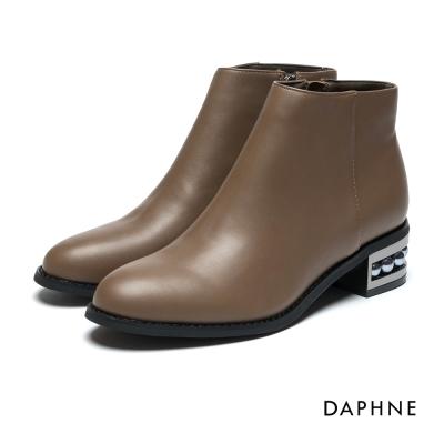 達芙妮DAPHNE 短靴-牛紋珍珠鑲嵌低跟踝靴-駝
