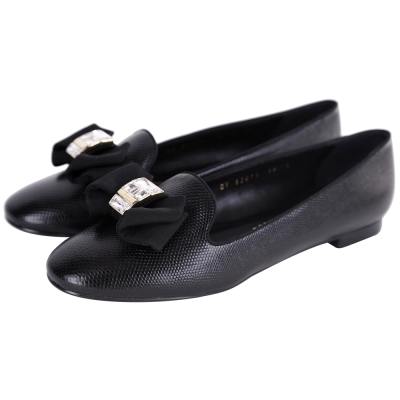 Salvatore Ferragamo Gessy 蝴蝶結鑽飾壓紋平底鞋(黑色)