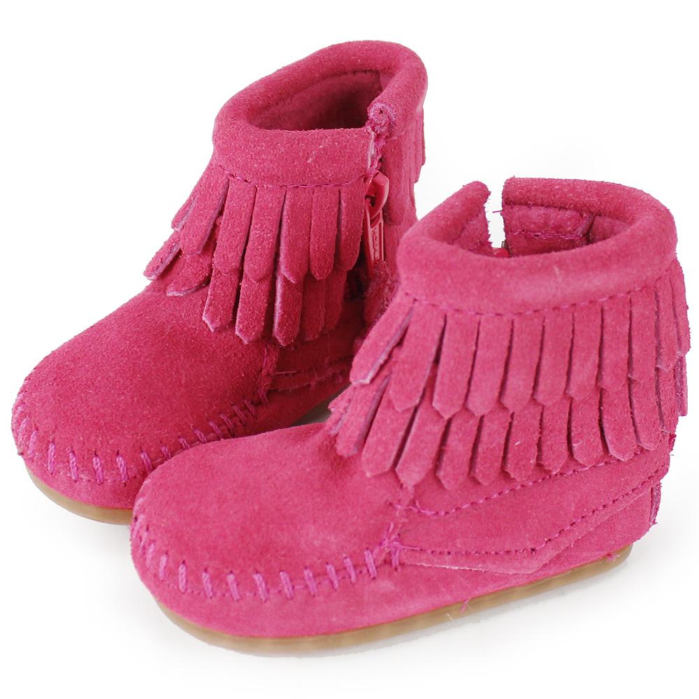 MINNETONKA 粉紅色雙層流蘇麂皮莫卡辛 嬰兒短靴 (展示品)
