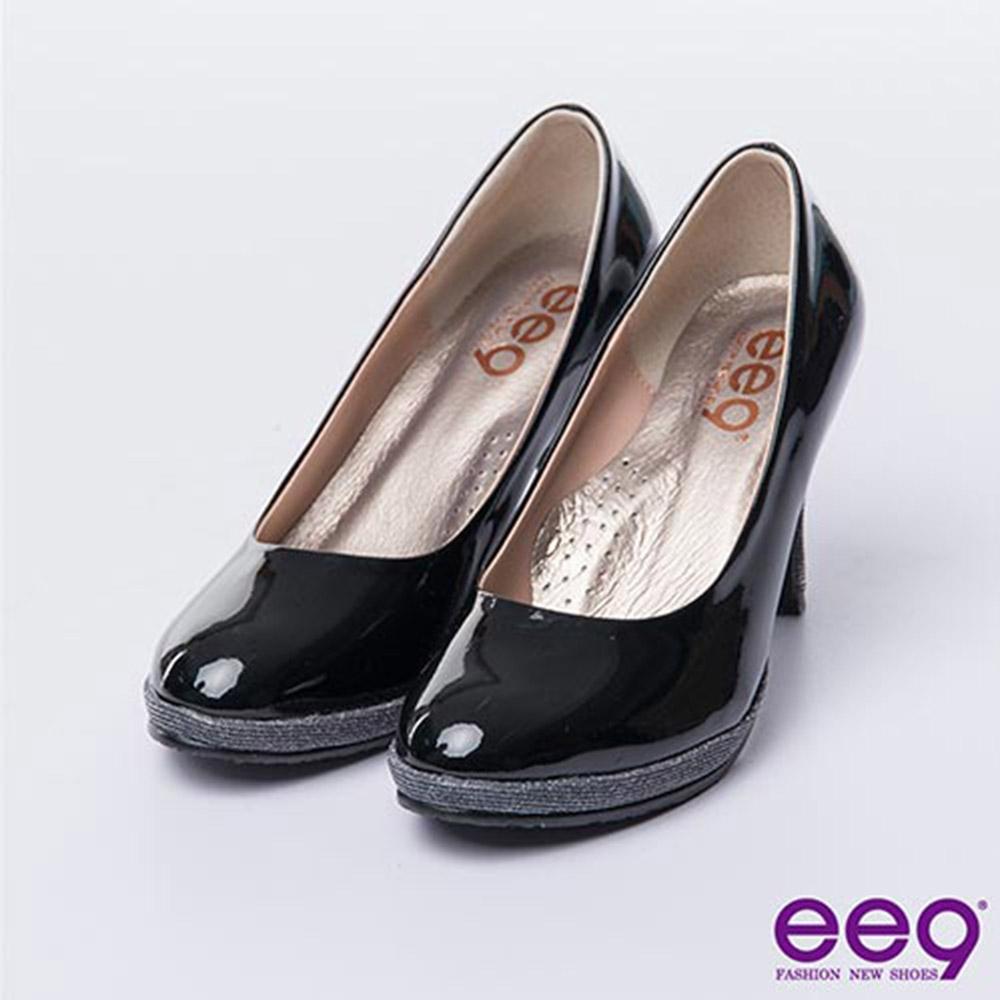 ee9 心滿益足~氣質仕女簡約素面雙材質造型高跟鞋*黑漆亮