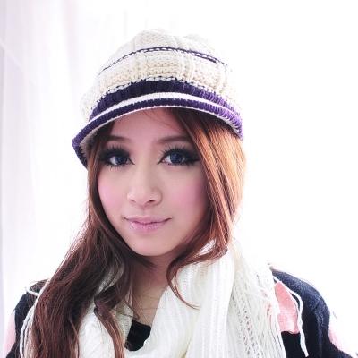 Aimee Toff 俏俏皮甜心半月雙色針織毛帽(米)