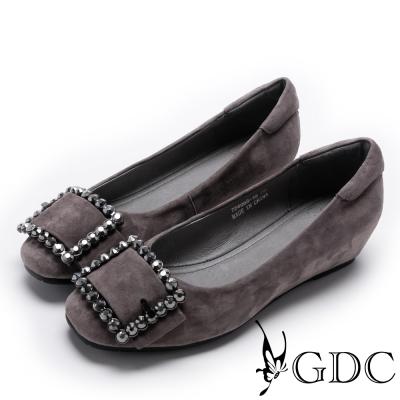GDC~優雅羊絨水鑽扣飾內增高女鞋~槍灰色
