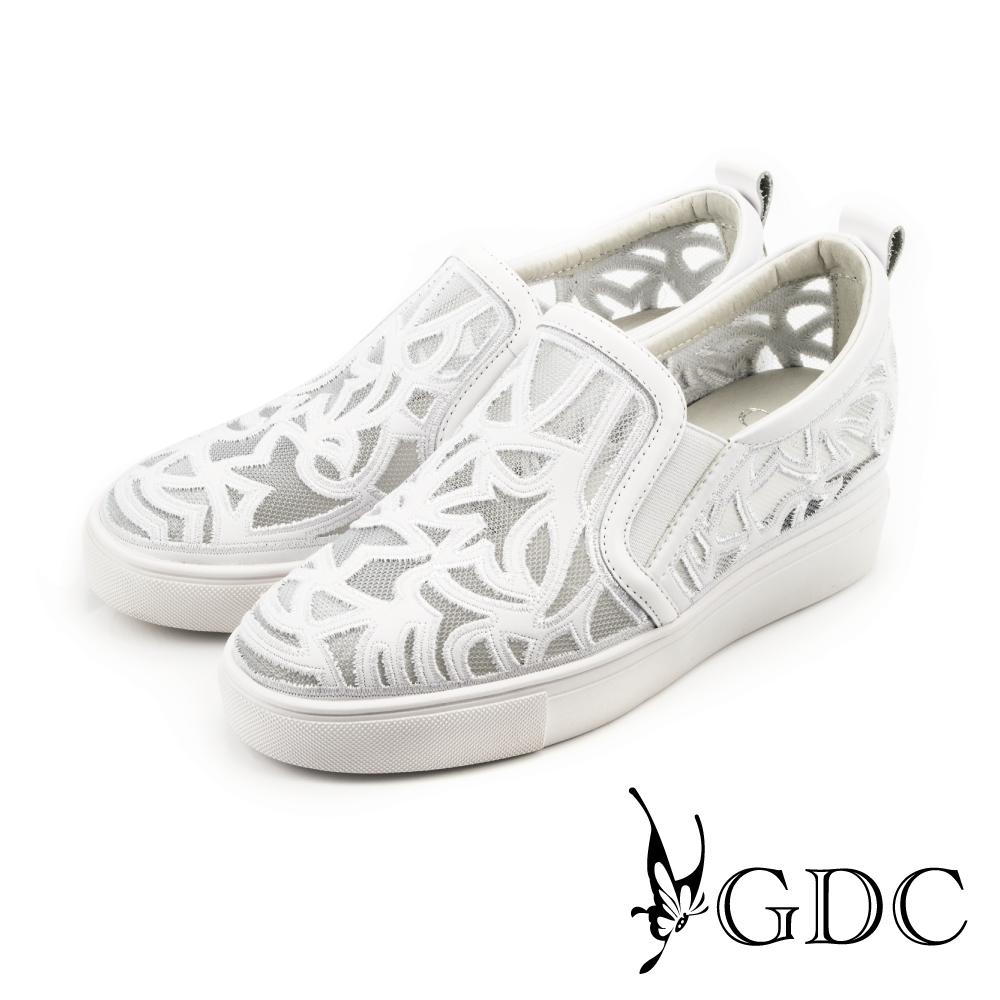 GDC-幾何圖騰網布透氣內增高懶人鞋-白色