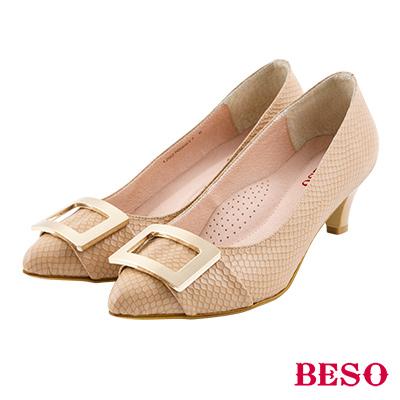 BESO 簡約知性 全真皮金屬方型飾釦跟鞋~棕
