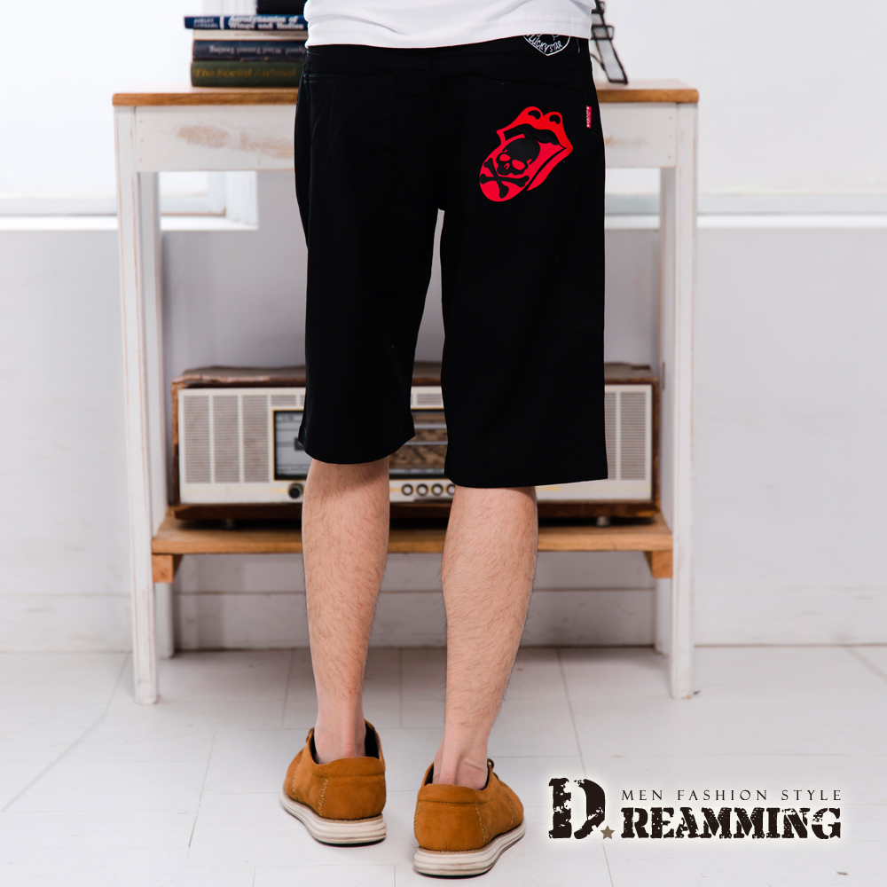 Dreamming 嘻哈喇舌骷顱徽章伸縮休閒短褲-共二色 (黑色)