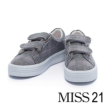 休閒鞋 MISS 21  經典復古格紋魔鬼氈厚底休閒鞋  – 黑白格紋