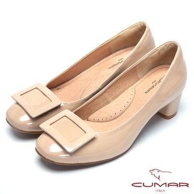 CUMAR粉領時尚-摩登方形裝飾粗跟包鞋-米卡