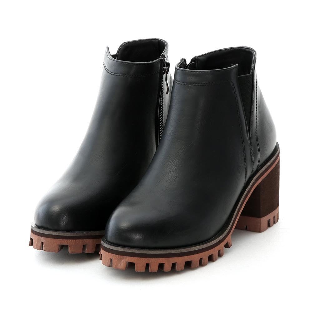 D+AF 獨創經典.簡約及踝高跟厚底短靴*黑