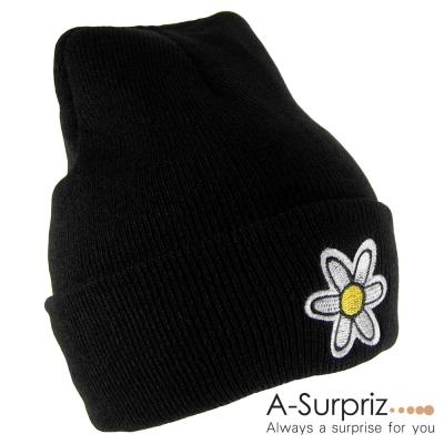 A-Surpriz 俏麗花朵反摺毛線帽(個性黑)