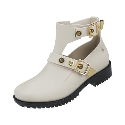 MELISSA 龐克扣環短筒靴-米白