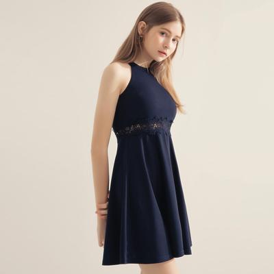 AIR SPACE 削肩鏤空蕾絲連身洋裝(深藍)