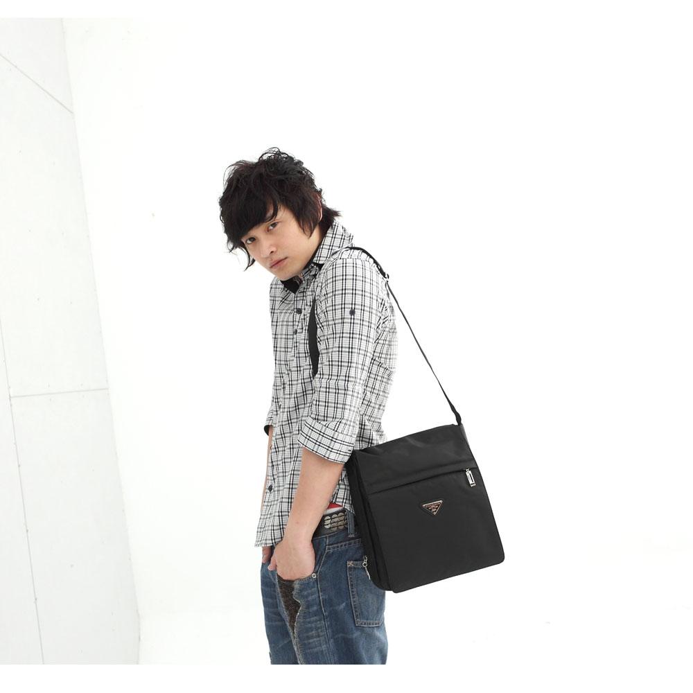 DF BAGSCHOOL - 休閒質感設計直式掀蓋型側背包