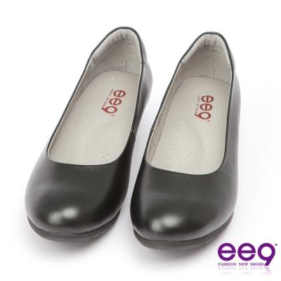 ee9-芯滿益足-通勤私藏全真軟牛皮經典素面百搭跟鞋-黑色