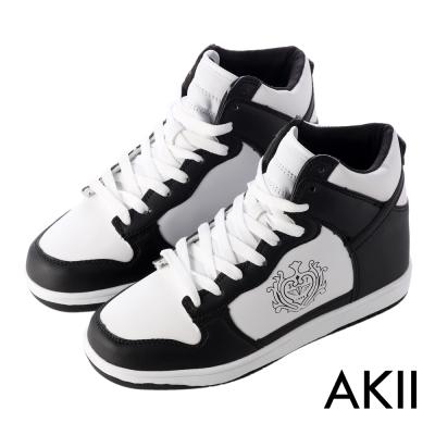 AKII韓國空運‧皇家徽章高筒內增高休閒鞋-黑白