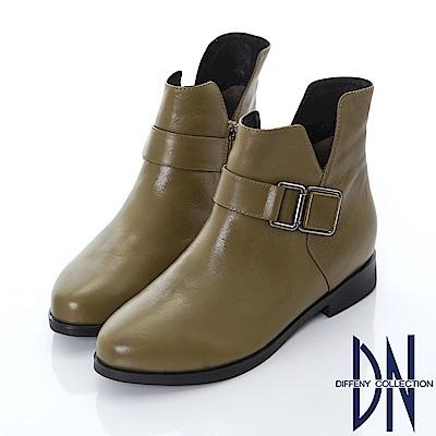 DN 都會美型 真皮飾扣側V拼接短靴-卡其