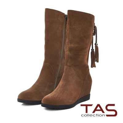 TAS-後綁帶流蘇麂皮內增高長靴-榛果卡其