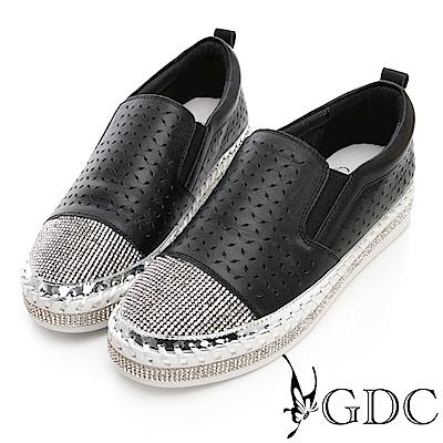 GDC-真皮奢華大方滿版水鑽雕花休閒鞋-黑色
