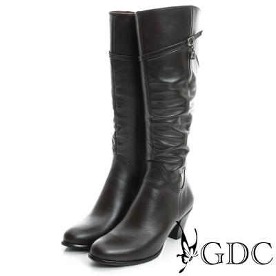 GDC個性-斜扣帶墬飾星星抓皺真皮長靴-咖啡色