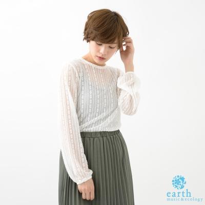 earth-music-鏤空透膚花朵蕾絲長袖上衣