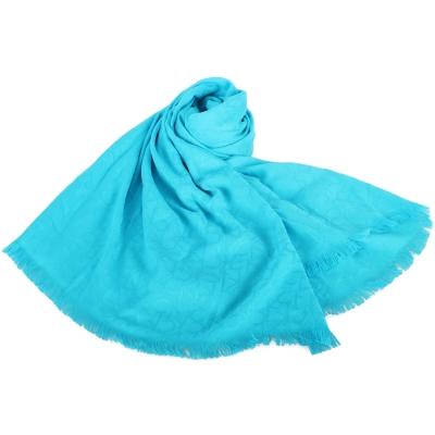 Calvin Klein CK滿版LOGO絲質寬版披肩圍巾-湖水藍色