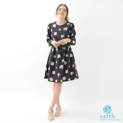 earth music滿版花朵後拉鍊長袖洋裝