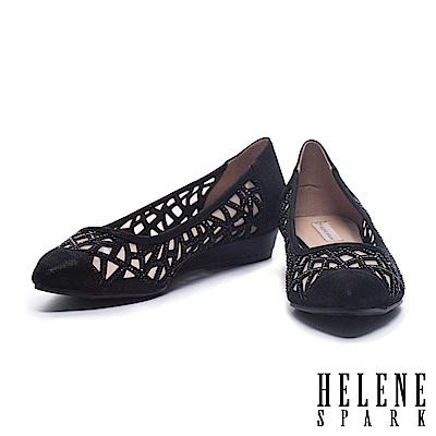 低跟鞋 HELENE SPARK 華麗性感晶鑽鏤空造型羊麂皮尖頭楔型低跟鞋-黑