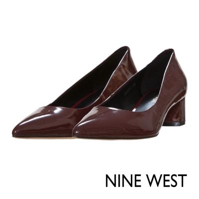 NINE-WEST-漆皮粗低跟尖頭鞋-魅惑酒紅