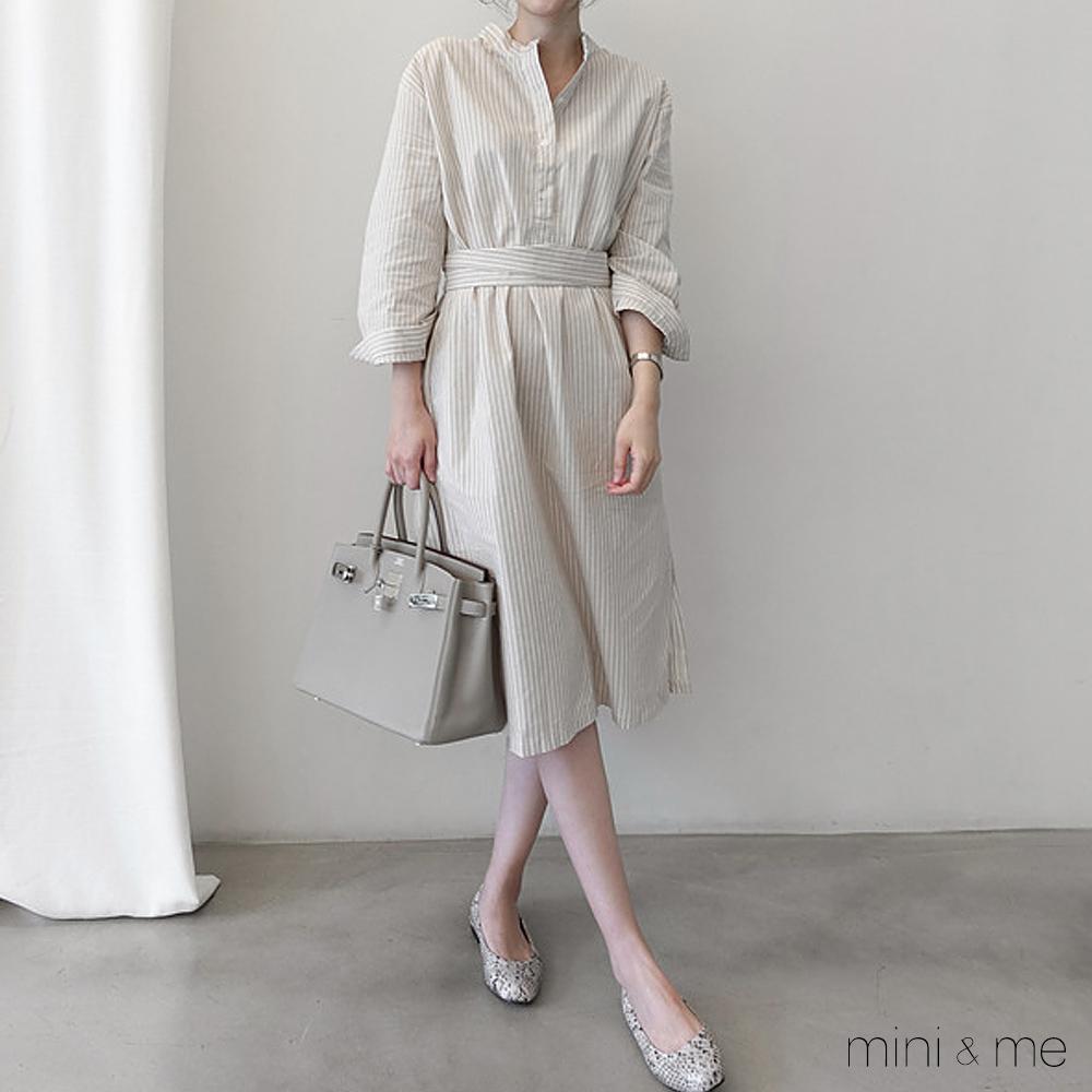洋裝 寬鬆條紋下擺開叉連身洋裝 贈腰帶-mini&me