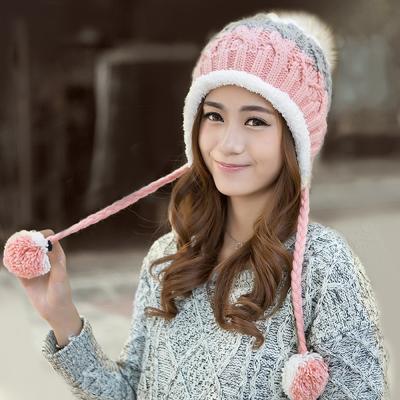 幸福揚邑 雙吊球造型雙層保暖護耳小顏拚色毛球針織毛線帽-粉