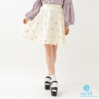 earth music 小花刺繡喇叭短裙
