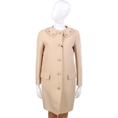 MOSCHINO 米膚色雕花領設計長版大衣
