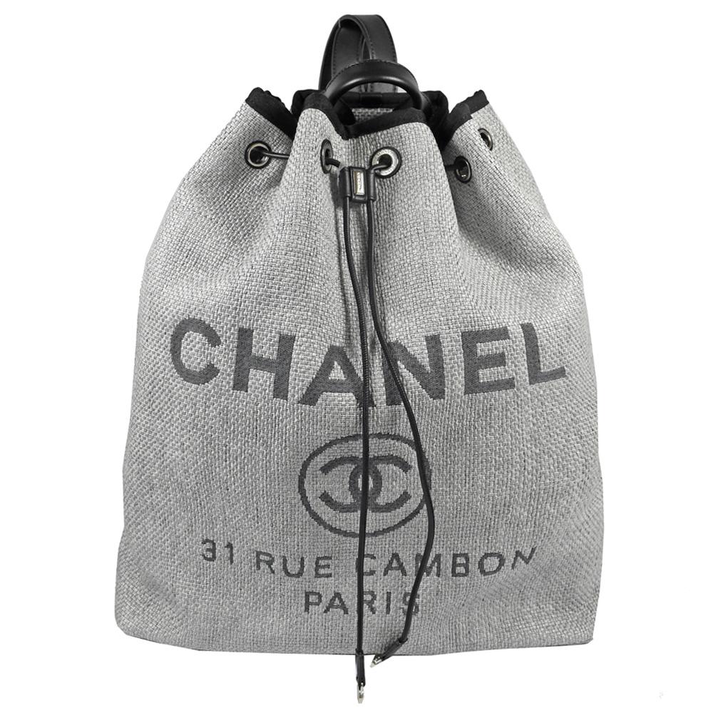 CHANEL 經典大雙C LOGO特殊帆布材質水桶後背包(灰/深藍)