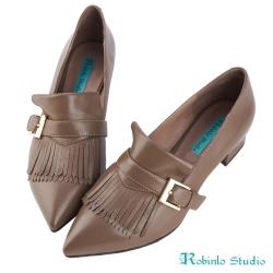 Robinlo Studio 率性俐落牛皮尖頭粗跟鞋 棕