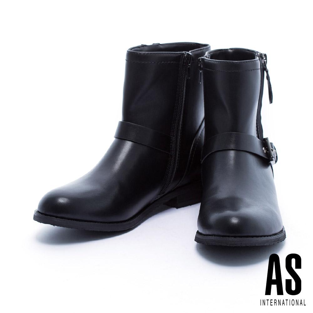 短靴 AS 簡約率性金屬釦帶設計皮革粗低跟短靴-黑