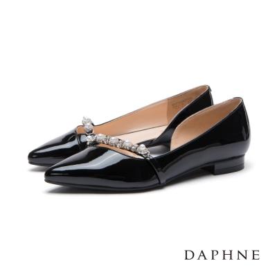 達芙妮DAPHNE 平底鞋-珍珠花鑽飾帶平底尖頭鞋-黑