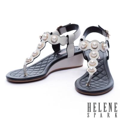 涼鞋 HELENE SPARK 復古珍珠波紋T字牛皮低跟涼鞋-米