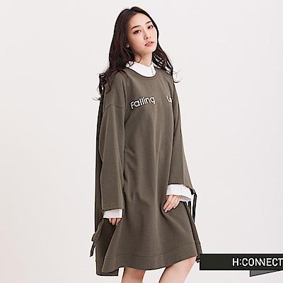 H:CONNECT 韓國品牌 女裝 - 電繡文字寬版洋裝-橄欖綠