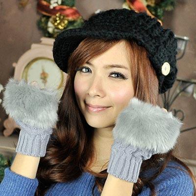 Aimee-Toff-韓版時髦保暖毛毛露指袖套-淺