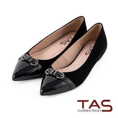 TAS-雙C質感金屬壓紋扣帶尖頭鞋-時尚黑