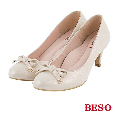 BESO 極簡甜美 優雅珍珠蝴蝶結高跟鞋~米