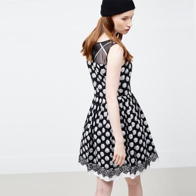 ICHE 衣哲 骰子印花拼接蕾絲造型洋裝
