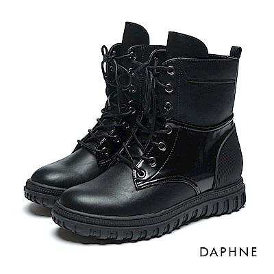 達芙妮DAPHNE 短靴-拼接造型繫帶刻紋馬丁短靴-黑