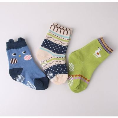 baby童衣-童襪-卡通抗菌止滑襪三入組-45027