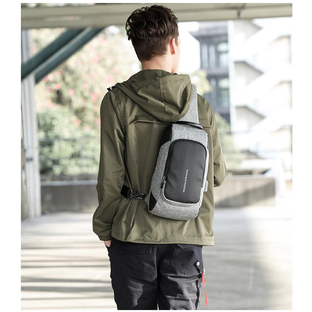 leaper時尚休閒USB充電單肩包胸包 共2色 product image 1