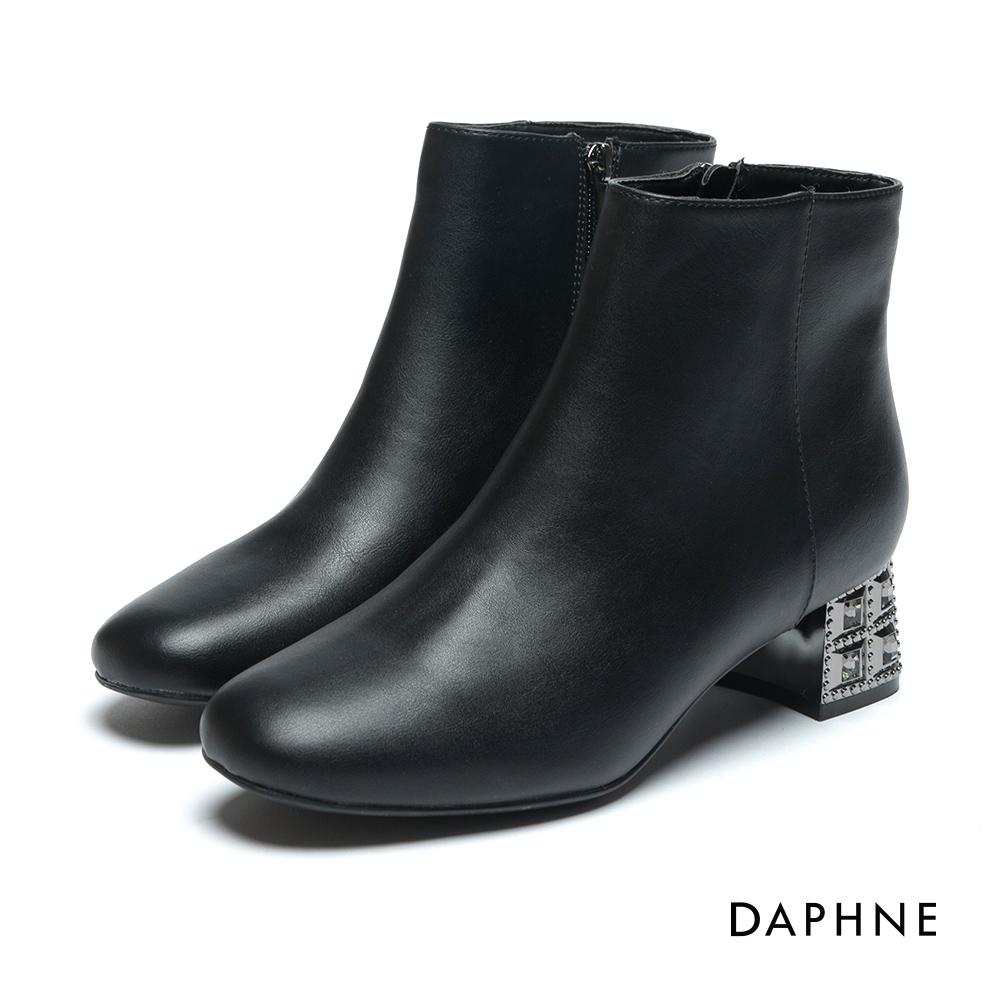達芙妮DAPHNE 短靴-霧面牛紋鑽飾中跟踝靴-黑