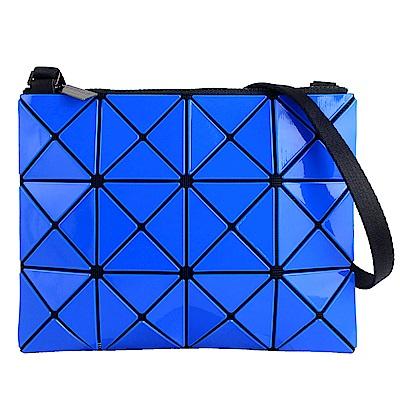 ISSEY MIYAKE 三宅一生BAOBAO雙色軟質方格3x4小型斜背包(藍/深藍)